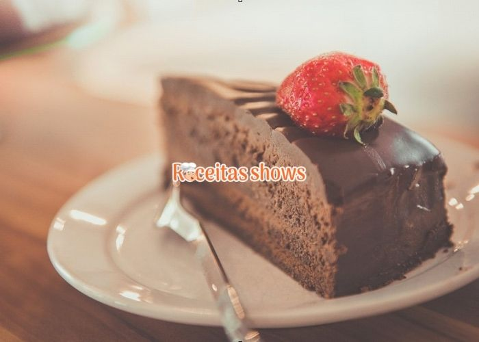 Bolo de chocolate sem lactose simples - Receitas Shows